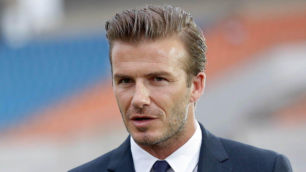 """O ex-capitão da seleção inglesa de futebol David Beckham declarou seu apoio à campanha do """"fica"""" no referendo sobre a filiação da Grã-Bretanha à União Europeia nesta terça-feira, para deleite do primeiro-ministro britânico, David Cameron, e daqueles que querem que os britânicos continuem no bloco"""