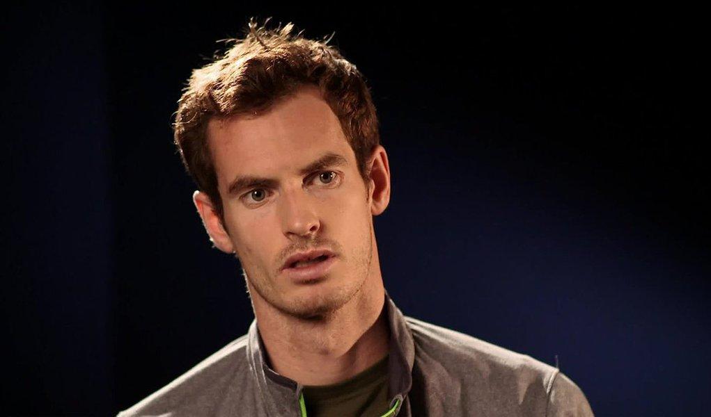 O tenista número dois do mundo, Andy Murray, disse que está desesperado por um descanso após dois meses exaustivos, depois que o Reino Unido foi eliminado pela Argentina na semifinal da Copa Davis, na qual defendia o título, por 3 a 2; ele teve um segundo semestre movimentado, em que chegou à final de Roland Garros, foi bicampeão em Wimbledon e defendeu seu título olímpico com sucesso na Rio 2016