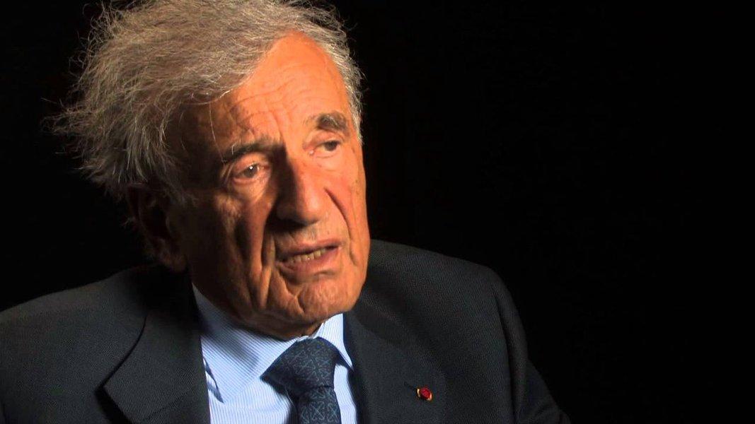 """""""Sobrevivente do Holocausto, Elie Wiesel, em artigos jornalísticos, livros e pronunciamentos públicos, procurou assegurar-se de que o mundo nunca esqueça aquele infame genocídio. Para que nunca mais se repita semelhante tragédia"""", diz a nota do Itamaraty"""