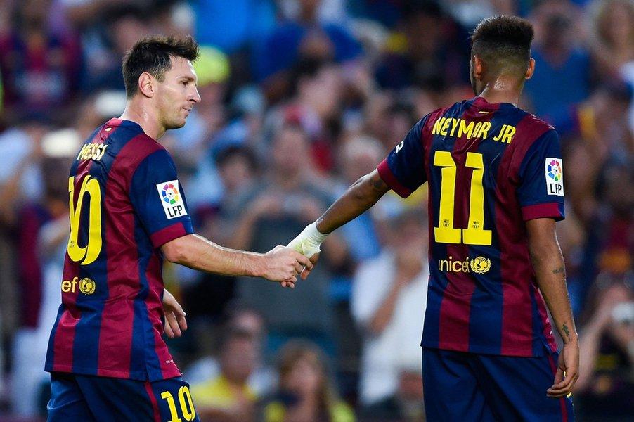 """""""Se formos falar do melhor, é Leo Messi. Neymar está a caminho de se tornar o próximo melhor"""", disse ao jornal Times o meia Ivan Rakitic, companheiro dos atacantes no Barcelona"""