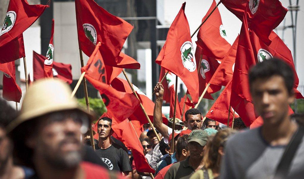 """""""O que significa o fim do Ministério do Desenvolvimento Agrário? Para onde vamos com uma Conab privatizada, como pretende o governo interino? Quais os efeitos da migração da reforma agrária – e da demarcação de terras indígenas – para a Casa Civil? E os da pulverização de agrotóxicos nas cidades?"""";MST, Cimi e Greenpeace debatem em São Paulo """"O governo Temer e a questão agrária"""", nesta quarta, às 19 horas, no Epicentro Cultural"""