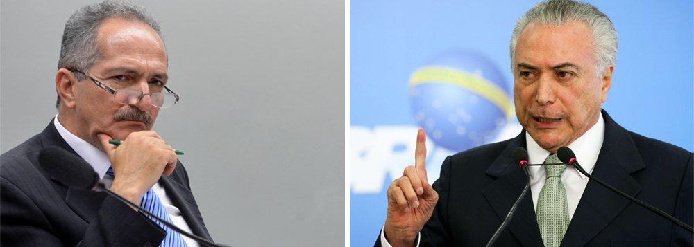 """O ex-ministro Aldo Rebelo avalia que o Brasil não sairá da crise enquanto a democracia não for plenamente restabelecida; """"O impasse econômico dificilmente encontrará uma solução satisfatória enquanto o governo carecer de plena legalidade e de inconteste legitimidade, além da força e da autoridade conferida pela população"""", diz ele; Aldo afirma que a esquerda deve aceitar discutir uma reforma da Previdência, desde que conduzida por um governo legítimo; """"Há um problema importante a ser enfrentado na Previdência? Sim, claro, mas esta resposta só um governo com a força das urnas pode dar"""""""