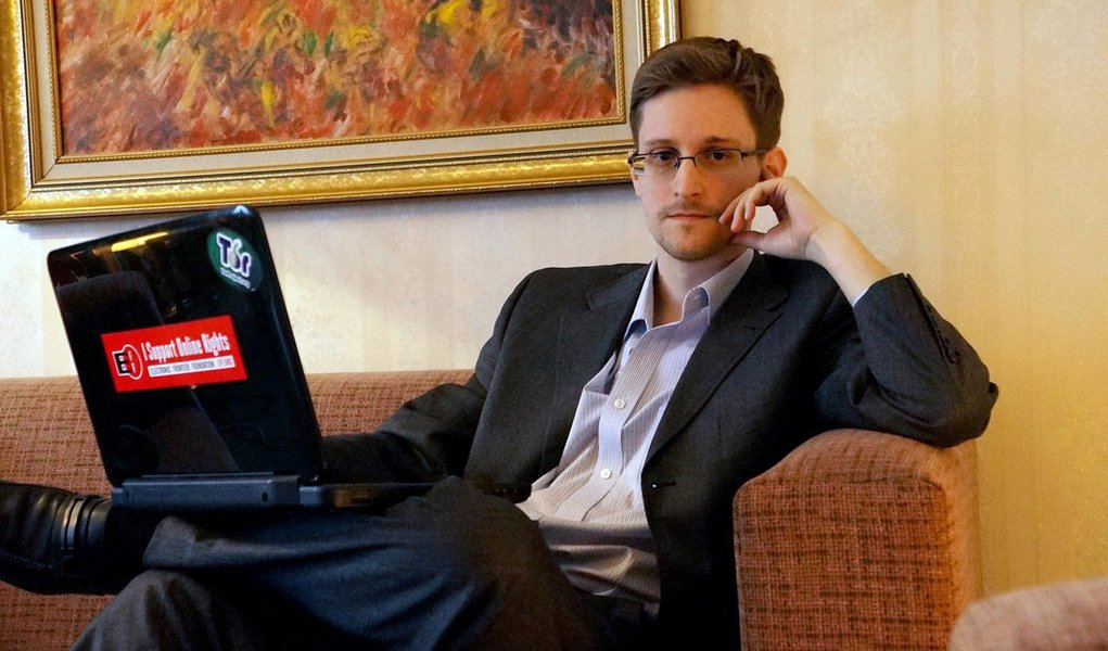 Tribunal de Oslo rejeitou uma ação judicial contra o Estado norueguês feita por Edward Snowden, que exigiu garantias de que não seria extraditado para os Estados Unidos caso ele visitasse a Noruega; em novembro, Snowden deveria receber o Prêmio Ossietzky por suas revelações sobre vigilância em massa, concedido pela filial norueguesa do clube internacional de escritores PEN