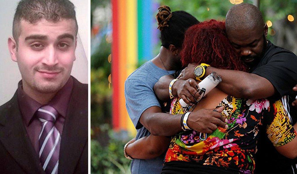 """Autoridades dos Estados Unidos vão divulgar nesta segunda-feira (20) as transcrições parciais de três conversas telefônicas deOmar Sediqque Mateen com a polícia enquanto o massacre a uma boate gay se desenrolava - 50 pessoas morreram; a informação é da procuradora-geral dos EUA, Loretta Lynch; ela afirmou que o incidente em Orlando foi """"um ato de terror e um ato de ódio"""", mas se recusou a dizer quais os processos podem ser apresentados nem quem pode ser processado neste caso; segundoMir Sediqque, pai do atirador, seu filho expressouo """"ódio aos gays""""; outros 53 ficaram feridos"""