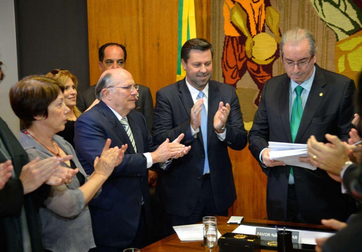"""""""Eu vou contar, obviamente, tudo o que aconteceu no impeachment, diálogos com todos os personagens que participaram de diálogos comigo em relação ao impeachment. Esses serão tornados públicos na sua integralidade"""", disse Eduardo Cunha, pouco depois de ser cassado; indagado se havia gravado essas conversas, Cunha respondeu: """"Tenho boa memória""""; ele também disse não temer o juiz Sergio Moro, que conduz a Lava Jato;""""Eu não tenho que temer ninguém. Eu só temo a Deus"""""""