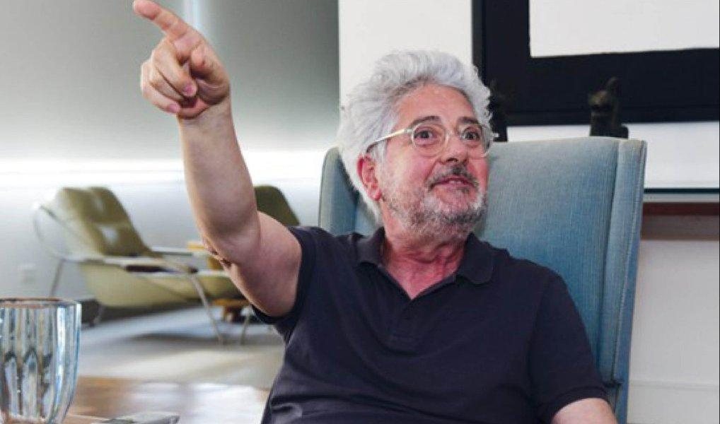 """O pesquisador e professor da Unicamp Laymert Garcia dos Santos avalia que o Brasil não passa somente por um golpe de Estado, mas já vive um Estado de Exceção e um momento muito parecido com a queda da República de Weimar e a ascensão do nazismo; """"Uma das características importantes dessa implosão das instituições, nos anos 20-30, na Alemanha, é o modo como os juízes violavam a lei e a Constituição, e é ao que estamos assistindo aqui"""", afirmou"""