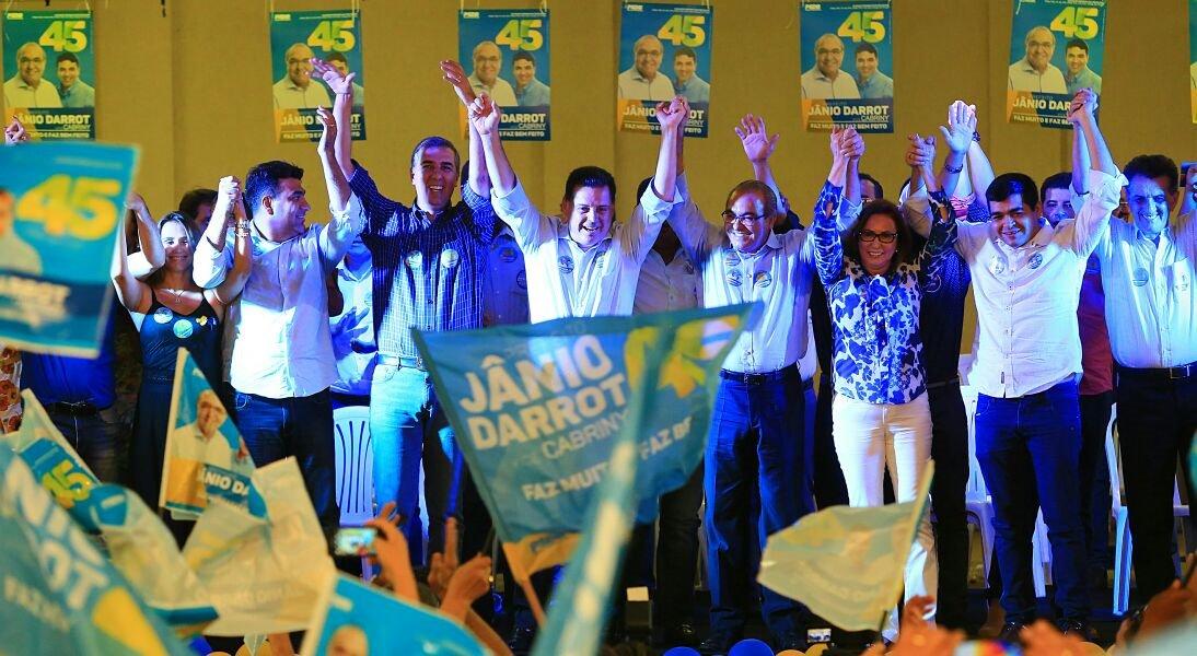Coalizão liderada pelo governador Marconi está na disputa nas duas cidades do Estado onde haverá segundo turno: Goiânia, com Vanderlan Cardoso (PSB), e Anápolis, com Roberto do Orion (PTB) – respectivamente o primeiro e o terceiro município em termos populacionais; base de Marconi já reduziu drasticamente o espaço da oposição nos maiores centros urbanos de Goiás; nos 244 municípios (do total de 246) onde a eleição foi decidida em 2 de outubro, a base do governo venceu a disputa em 199
