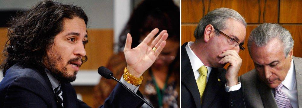 """Ao jornalista Alex Solnik, o deputadoafirma que, ao contrário do que se supõe, Eduardo Cunha continua sendo protegido pelo Planalto, a fim de ser evitada a sua delação: """"Há um movimento político em curso de proteção a Cunha""""; Jean Wyllys (PSOL-RJ) também comenta a ação movida por Jair Bolsonaro contra ele no Conselho de Ética: """"se eles vierem com suspensão eu peço a cassação! Me cassem!""""; para ele, """"os procuradores da Lava Jato são analfabetos políticos""""; """"Sergio Moro é messiânico... aliás, toda essa turma é messiânica, tem ligações com o movimento pentecostal, essas pessoas não precisam de provas, mas de convicções, o que é típico da fé"""""""