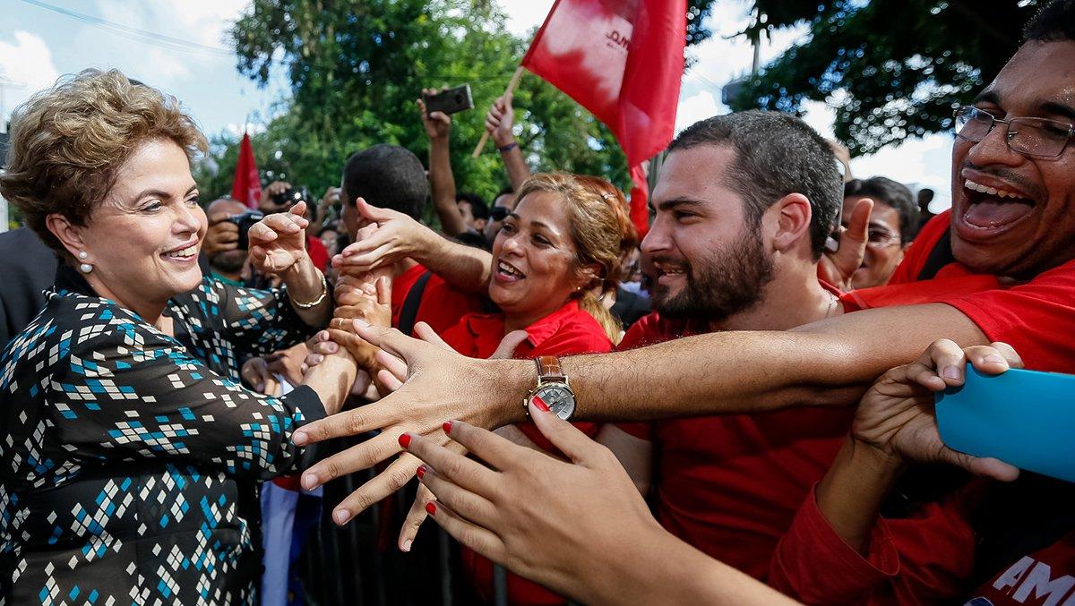 """Campanha virtual """"Jornada pela Democracia - Todos por Dilma""""foi iniciada nesta quarta-feira, 29, por duas amigas da presidente; a meta é arrecadar R$ 500 mil para financiar viagens pelo Brasil para denunciar o golpe contra o seu mandato e contra a democracia pelo País; primeira doação foi de R$ 10; em seis horas, valor arrecadado já havia ultrapassado R$ 93 mil; assista ao vídeo da campanha e saiba como apoiar o projeto"""