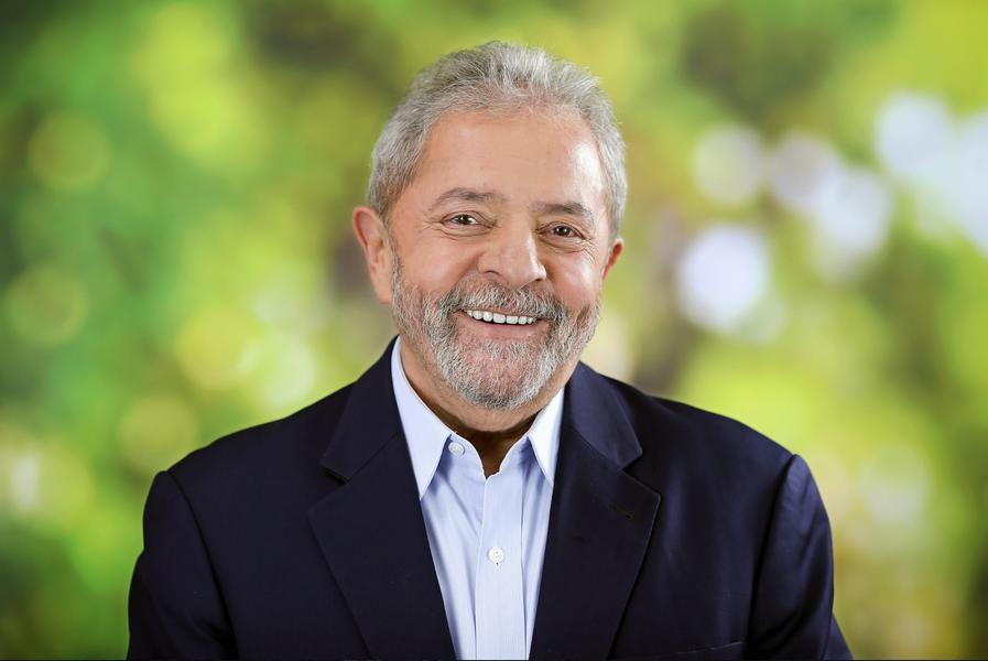 O ex-presidente Lula estará em Fortaleza nesta quarta-feira (21), quando participará de comício em apoio à candidatura de Luizianne Lins (PT) à Prefeitura de Fortaleza. O ato ocorre na Praça do Ferreira, a partir das 16h. Antes disso, Lula cumpre agenda em Barbalha e Iguatu