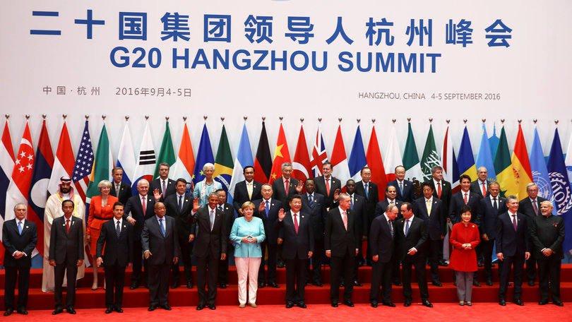 A imagem patética percorreu o mundo: Temer, anônimo, desconfortável, literalmente escanteado na foto oficial do G20.Que contraste com a estreia de Lula no foro mundial de Davos de 2003!