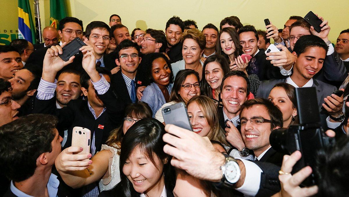 Brasília - DF, 25/06/2014. Presidenta Dilma Rousseff durante cerimônia de lançamento da segunda etapa do Programa Ciência sem Fronteiras. Foto: Roberto Stuckert Filho/PR.