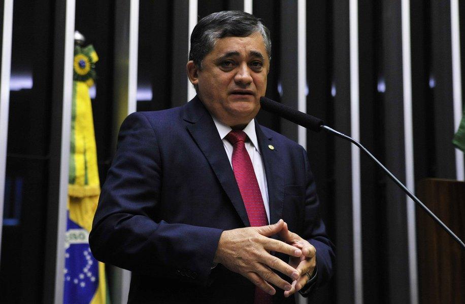 O deputado federal José Guimarães (PT) foi eleito o parlamentar mais influente do Congresso Nacional pelo Anuário do Ceará, lançado esta semana. Este é o terceiro ano consecutivo em que o petista ocupa o primeiro lugar da lista