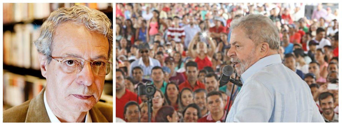 """Teórico da esquerda, o escritor Carlos Alberto Libânio, mais conhecido como Frei Betto, está convencido de que o ex-presidente Lula voltará ao poder em 2018; """"Temer vai se tornar o grande apoio de Lula para 2018. O Governo vai ser tão ruim que vai ajudar Lula a voltar"""", diz ele, em entrevista ao El País; Frei Betto, no entanto, afirma que Lula poderia ter agido como o uruguaio Pepe Mujica na presidência; """"Acho que Lula deveria ter preservado alguns símbolos, como Mujica no Uruguai. Poderia ter continuado a morar na casa onde morava quando era presidente do sindicado e viajar com um avião normal, não com um avião particular, esses símbolos dizem muito para a opinião pública"""""""