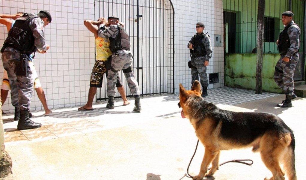 O número de Crimes Violentos Letais Intencionais (CVLI) despencou 30,9% em Maceió em setembro deste ano, no comparativo com o mesmo mês do ano passado; resultado marca a retomada da trajetória de queda do número de homicídios, após registrar um pico de alta em julho