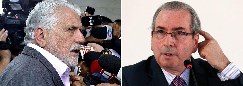 Ministro da Casa Civil de Dilma Rousseff, Jaques Wagner apresentou ao STF ação penal em que acusa Eduardo Cunha de calúnia e difamação; em entrevista, o deputado afastado disse que o ex-ministro prometeu votos do PT no Conselho de Ética em troca de engavetar o pedido de impeachment de Dilma