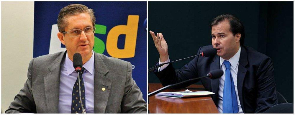 Os nomes favoritos à presidência da Câmara - Rogério Rosso (PSD-DF), Rodrigo Maia (DEM-RJ) e Fernando Giacobo (PR-PR) - ainda não formalizaram suas candidaturas para evitar desgaste e ganhar mais tempo nas negociações; disputa poderá ter até 15 candidatos