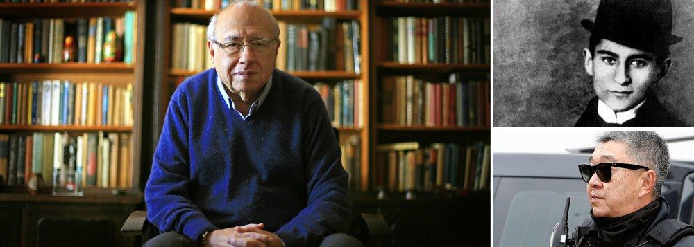 Para o escritor Luis Fernando Verissimo, só no Brasil ou na literatura de Kafka existiria uma personagem como o japonês da federal, que, em prisão domicialiar, só pode sair de casa para prender os outros