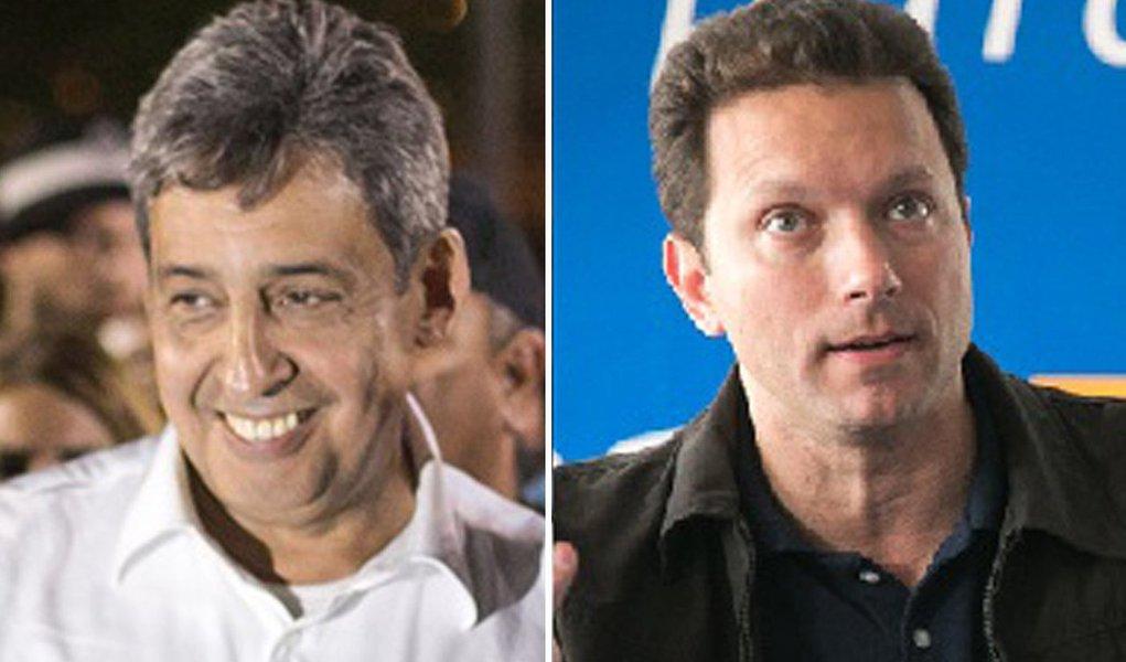 OcandidatoNelson Marchezan Jr (PSDB) aparece com 45% das intenções de voto à Prefeitura de Porto Alegre, contra 33% de Sebastião Melo (PMDB), naprimeira pesquisa do segundo turno; a pesquisaIbope, contratada pelo Grupo RBS, tem margem de erro de quatro pontos percentuais, para mais ou para menos. Brancos e nulos somam 18%, enquanto 4% não sabem em quem irão votar; o Ibope também questionou quais os motivos da escolha, momento em que 72% afirmaram não saber ou não responderam