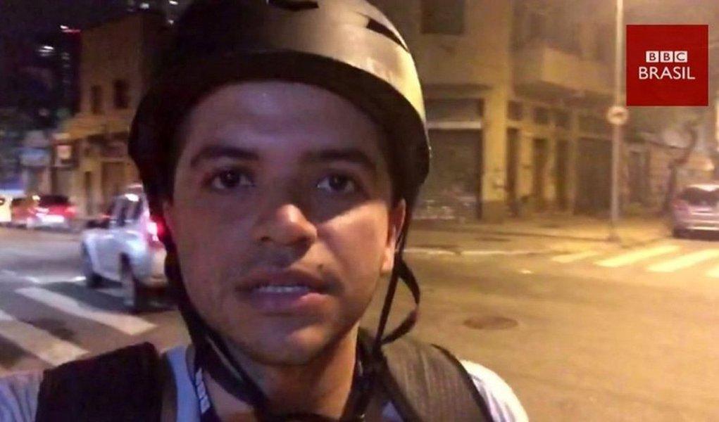 """Comitê para a Proteção de Jornalistas (CPJ), baseado em Nova York, denunciou a violência da polícia contra os profissionais da imprensa no Brasil e afirmou que os """"jornalistas são agredidos em protestos violentos e acusados de partidarismo"""", como a praticada pela Polícia Militar de São Paulo contra o repórter da BBC Brasil Felipe Souza durante um ato contra Michel Temer no último dia 4"""
