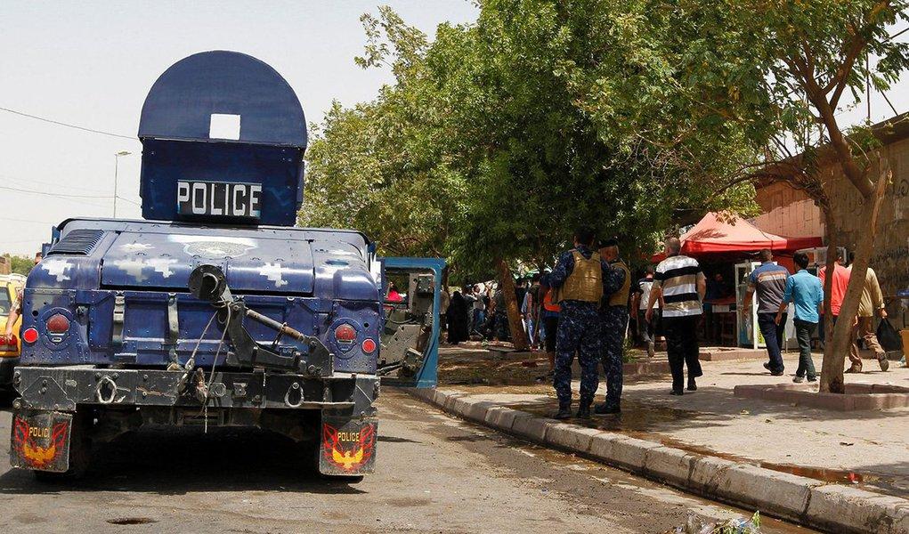 Pelo menos 14 pessoas morreram em um ataque suicida em Bagdá. O atentado teve como alvo um posto de controle no norte da capital iraquiana, no bairro xiita de Kadhimiya; cerca de 20 pessoas ficaram feridas, revelaram fontes médicas e policiais; ainda não houve reivindicação imediata de responsabilidade pelo ataque, mas o Estado Islâmico tem realizado ataques suicidas contra as forças de segurança e contra membros da comunidade xiita do país