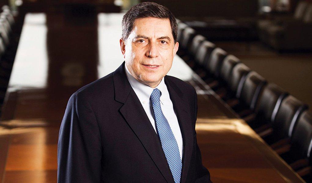 O Bradesco, comandado por Luiz Carlos Trabuco, informou nesta quinta-feira que teve lucro líquido contábil de R$ 4,134 bilhões entre abril e junho, queda de 7,6 por cento sobre igual período do ano passado, apresentando mesma performance em termos ajustados