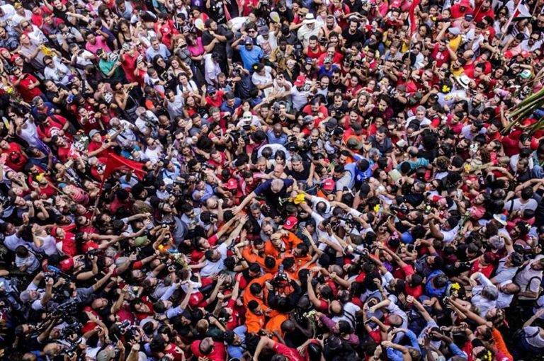 Afinal, sem Lula, no páreo eleitoral, ganha a abstenção e prossegue o perigo de governabilidade que leva à convulsão social e aos calotes, maior pavor do mercado financeiro