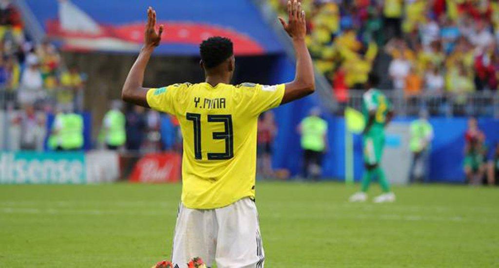 Um gol de cabeça do zagueiro Yerry Mina garantiu à Colômbia uma vitória por 1 x 0 sobre Senegal, em Samara, garantindo a classificação para as oitavas de final como líder do Grupo H, enquanto Senegal está eliminado ao perder para o Japão no desempate de cartões; a Colômbia enfrentará o segundo colocado do Grupo G, que será Inglaterra ou Bélgica