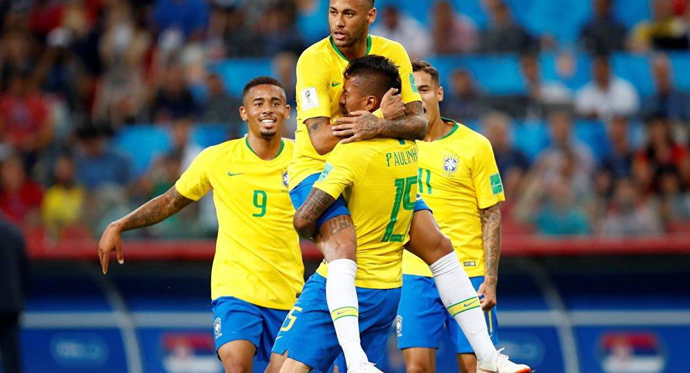Os gols do Brasil foram marcados por Paulinho, no primeiro tempo, ao completar ótimo lançamento de Philippe Coutinho, e pelo zagueiro Thiago Silva, de cabeça, após cobrança de escanteio