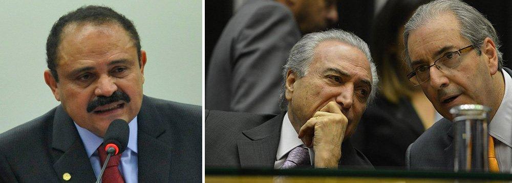 """Deputado Waldir Maranhão (PP-MA),1º vice-presidente da Câmara, anunciou nesta sexta-feira 15 que mudou de opinião e votará contra o impeachment da presidente Dilma Rousseff no domingo, 17; """"Eu e mais 12 deputados do PP vamos votar a favor da democracia e contra o golpe"""", afirmou Maranhão ao Broadcast Político; Maranhão dissenão estar preocupado com a promessa de punição do PP aos parlamentares que não acompanharem a maioria do partido; """"Isso depois a gente resolve"""""""
