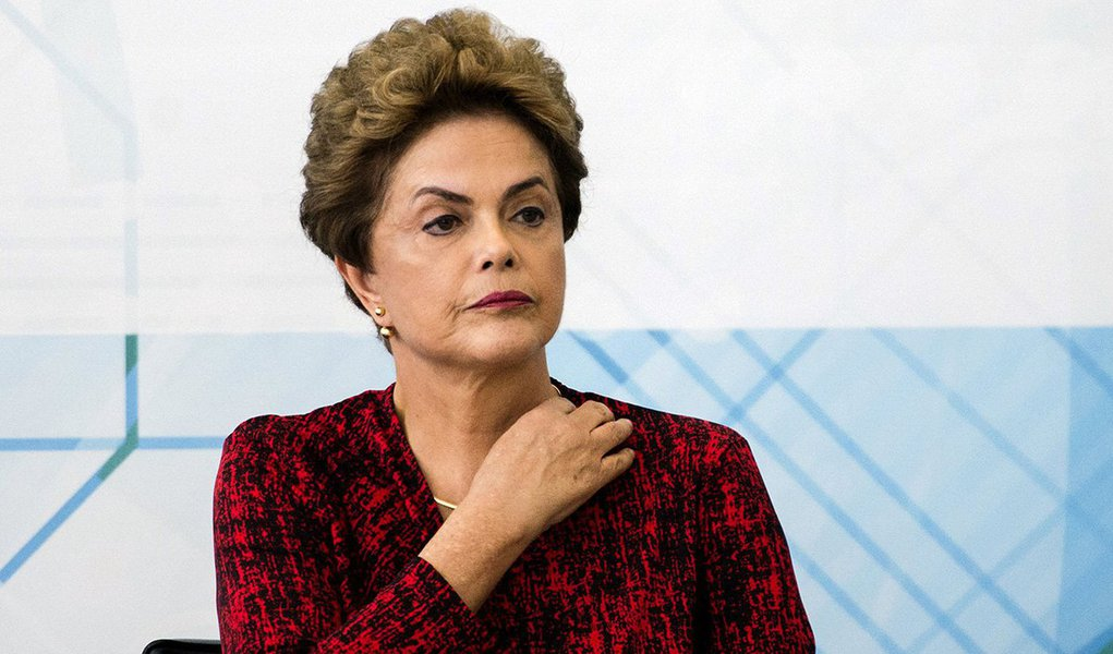 Sob o comando de Lula a inflação saiu dos 12,53% herdados de FHC e nunca chego aos dois dígitos novamente e Dilma manteve esse padrão. (...)Por essas e outras temos de ter cuidado com o que dizem os lacerdistas, os golpistas e os canalhas de todo gênero
