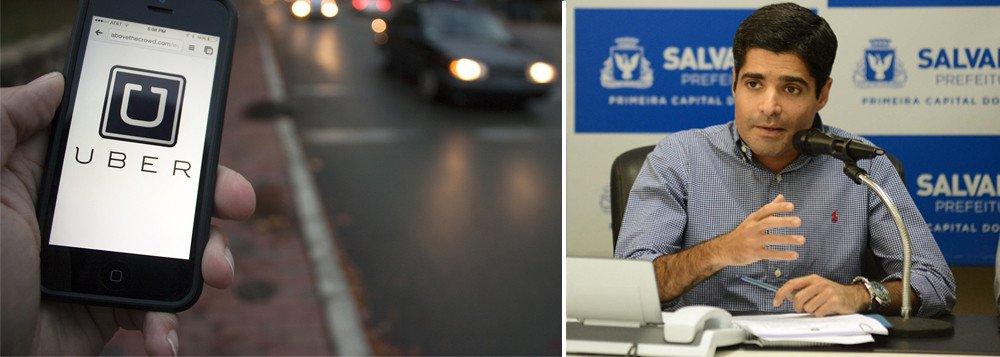 Após aprovação do projeto de lei que proíbe a atuação do Uber em Salvador, a empresa responsável pelo serviço diz que vai continuar operando na cidade; nas redes sociais, moradores da capital baiana participam de uma campanha pela regulamentação da plataforma de serviço de transporte particular de passageiros; o texto que prevê a proibição, de autoria do vereador Alfredo Mangueira (PMDB), foi aprovado nesta quarta-feira (27), por unanimidade; segundo a Câmara, 37 dos 43 vereadores participaram da votação e todos votaram a favor da proibição