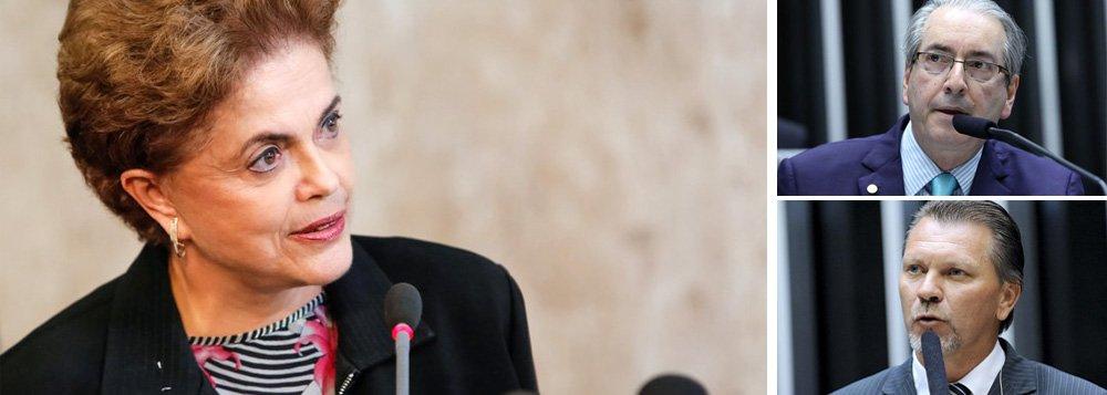 """""""É difícil encontrar quem defenda, com sinceridade, que a presidente deva ser cassada pelos motivos alegados no pedido de impeachment.Com dezenas de pescoços na berlinda, o sistema intuiu que poderia cortar uma só cabeça e saciar a multidão faminta por punições"""", diz o colunista Bernardo Mello Franco; ele lembra que a sessão do impeachment será comandada por Eduardo Cunha, um dos pivôs do petrolão, e iniciada pelo deputado Afonso Hamm, que também é suspeito de receber propina"""