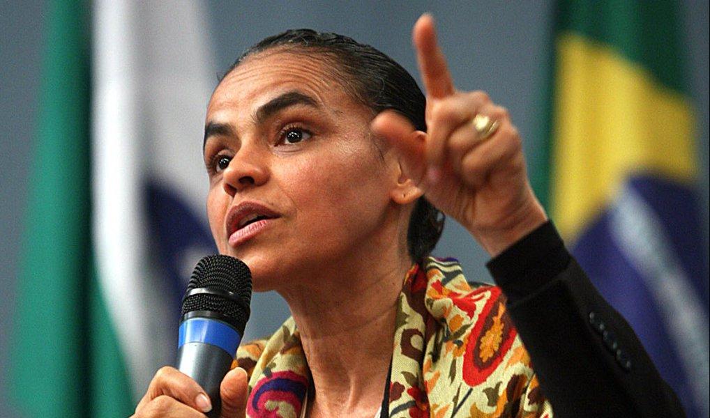 """Para o jornalista Fernando Brito, do Tijolaço, """"está claro"""" que o que faz Marina Silva """"considerar o TSE 'melhor' que o impeachmenté o mesmo que faz Aécio preferi-lotambém: sentir que o impeachment naufragou politicamente e que a 'esperança' de eleições antecipadas estão no Tribunal""""; para ele, a ex-candidata à presidência """"virou siamesa de Aécio"""""""