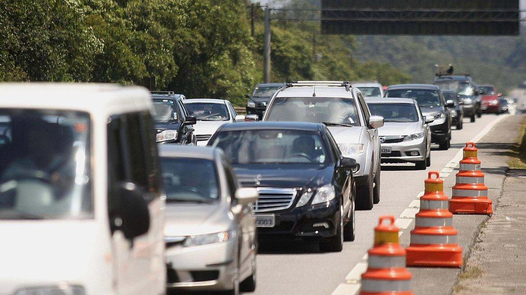 Balanço divulgado nesta segunda-feira (4) pelas Polícias Rodoviárias Federal e Estadual registram 64 acidentes e 12 mortes nas rodovias que cruzam o estado, durante o feriadão do Ano Novo. A PRF fiscalizou 941 veículos, que resultou em 79 autos de infrações