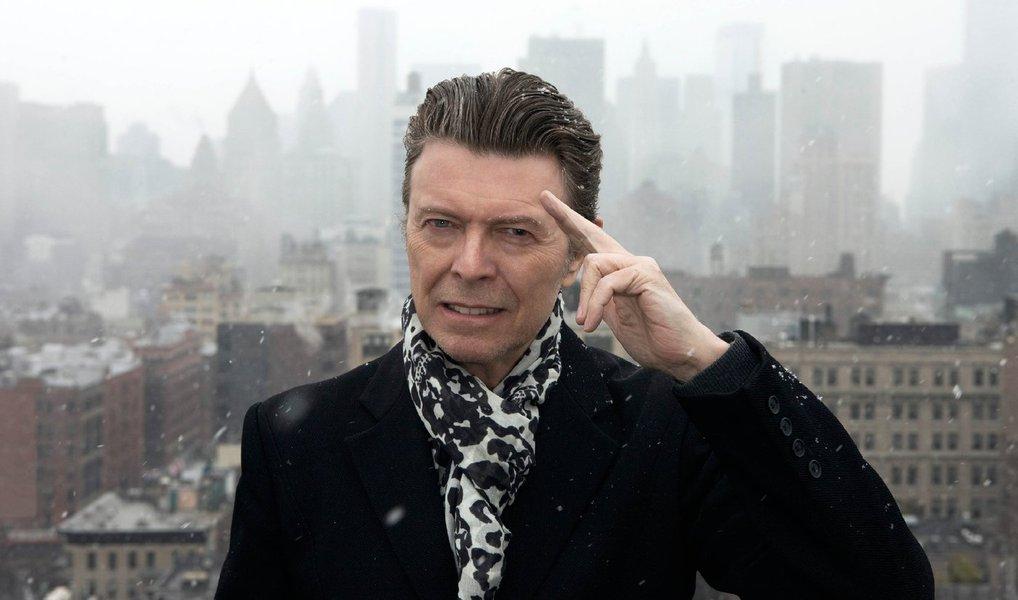 """Cantor, compositor, ator e artistamarcou seu aniversário de 69 anos nesta sexta-feira, 8, com o lançamento de um novo álbum, """"Blackstar""""; antes do lançamento, a revista Rolling Stone escreveu no mês passado que o """"artístico e inquieto 'Blackstar"""" é a melhor obra-prima antipop de Bowie desde os anos 1970; David Bowie volta à cena musical após """"The Next Day"""", de 2013, que foi topo das paradas musicais"""