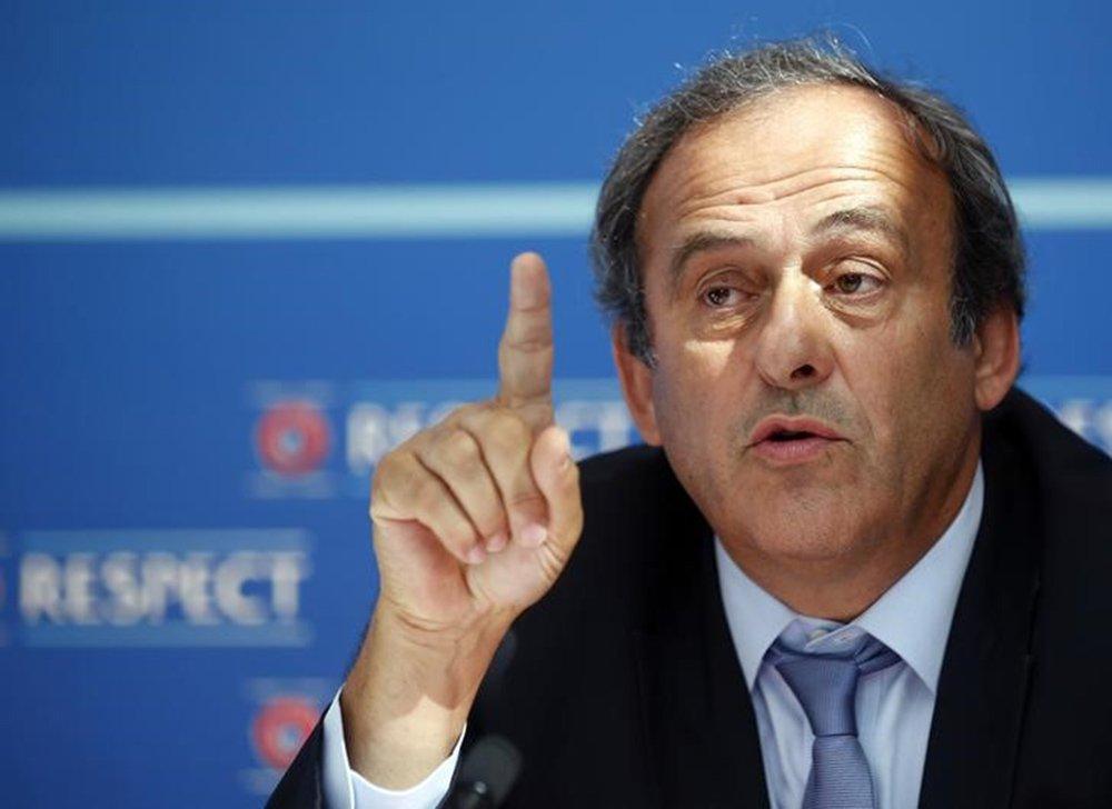 Presidente da Uefa, Michel Platini, em entrevista coletiva em Monte Carlo. 28/08/2015 REUTERS/Eric Gaillard