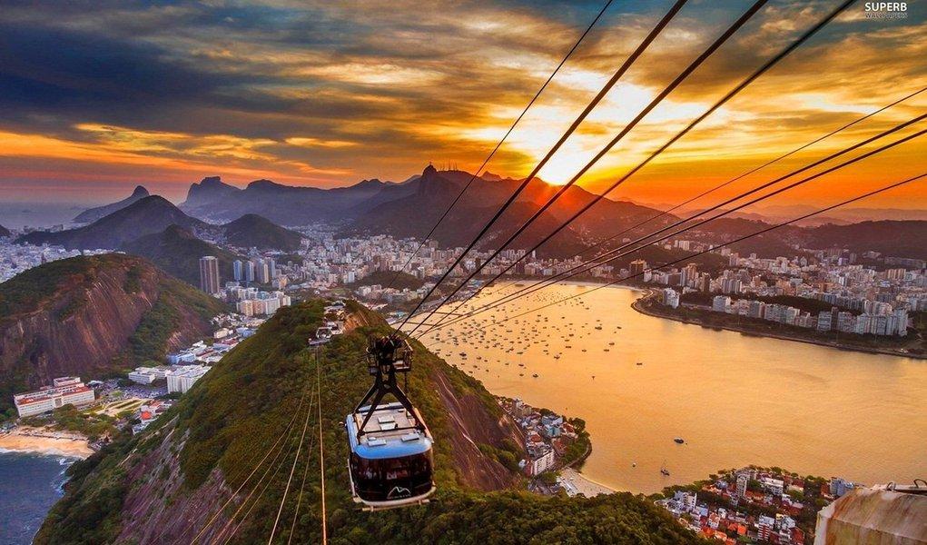 Em 2016, nove em cada dez brasileiros devem escolher viajar para destinos nacionais, ao invés dos internacionais, segundo pesquisa realizada pelo Ministério do Turismo. A pesquisa também aponta que as regiões Nordeste e Sudeste serão as mais procuradas