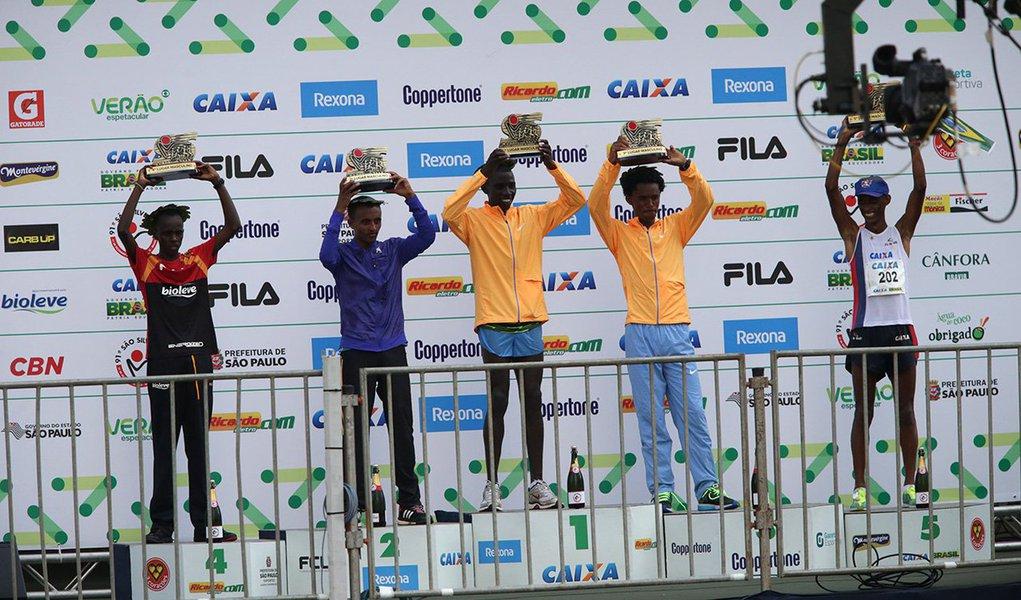 O queniano Stanley Kipleting Biwott foi o campeão da prova masculina da 91ª Corrida Internacional de São Silvestre,com 44m31s; entre as mulheres, a campeã foi a etíope Wude Aylew Yimer com o tempo de 54m01s, seguida por Delvine Relin Meringor, do Quenia; no masculino, o mineiro Giovani dos Santos conquistou pela quarta vez um lugar no pódio, ficando em quinto lugar nesta edição