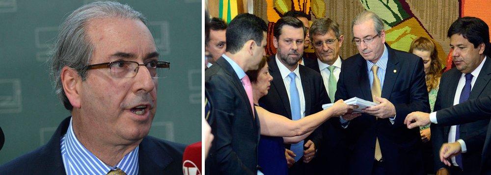 """""""O fato de ter a pedalada, por si só, não significa que isso seja razão para o pedido de impeachment. Tem que configurar que há a atuação da presidente num processo que descumpriu a lei"""", afirmou o presidente da Câmara nesta quinta-feira 22, sinalizando para a oposição que o pedido entregue a ele nesta quarta pode não estar dentro dos requisitos para que se abra um processo de impeachment na Câmara contra a presidente Dilma Rousseff; Eduardo Cunha disse que, para acolher o pedido, é preciso que o documento prove que Dilma esteve envolvida nas 'pedaladas'; """"Pode existir a pedalada e não existir a motivação para o pedido [de impeachment]. Tem que haver o ato que configure o descumprimento [da lei]. Não dá para tirar conclusão precipitada e tem que ter muita cautela em relação a isso"""""""