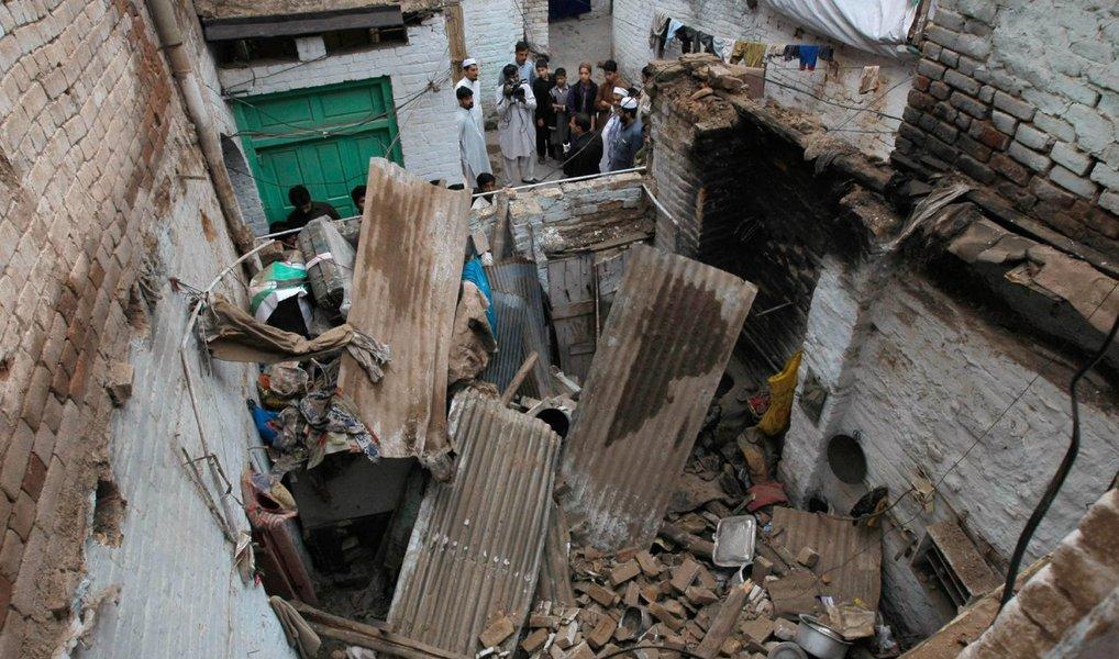 Um terremoto de 5,3 graus na escala Richter abalou neste sábado o nordeste do Afeganistão; segundo o Serviço Geológico dos Estados Unidos, o epicentro foi a 35 quilômetros de Jurm, na província de Badakshan