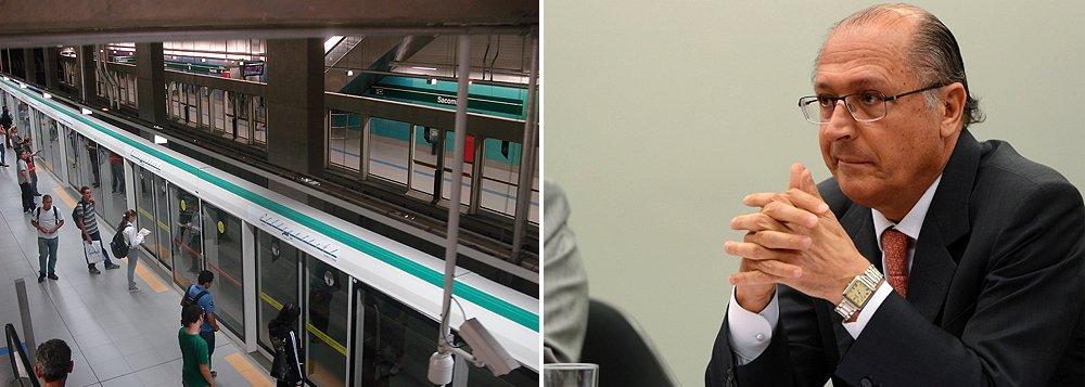 Início das obras da linha 2-Verde até Guarulhos será suspensa por um ano; o governador de São Paulo, Geraldo Alckmin (PSDB), afirmou que irá priorizar as obras que já estão em andamento;início do novo trecho é adiado desde setembro de 2014, quando o governo concluiu a licitação e assinou contrato com oito consórcios