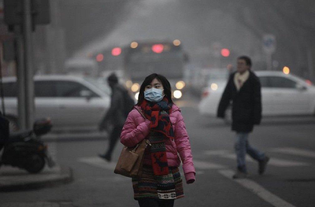 Objetivo é conseguir que, no final da década, a presença de partículas no ar que têm diâmetro inferior a 2,5 milésimos de milímetro (as mais nocivas) não supere como média diária os 64 microgramas por metros cúbicos, quando em 2013 superaram os 100 microgramas no corredor Pequim-Tianjin-Hebei; a OMS (Organização Mundial da Saúde) estipula o nível máximo de segurança como 25 microgramas por metros cúbicos
