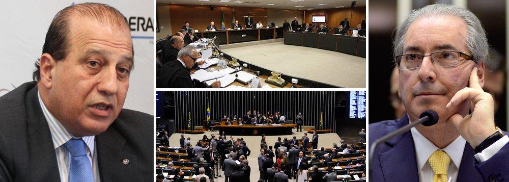 """""""A democracia brasileira pode enfrentar um momento trágico a partir de hoje. Imagine que o processo de impeachment de uma presidente eleita por mais de 54 milhões de votos pode ser iniciado por um ministro do TCU que não só é acusado de embolsar R$ 1,6 milhão num esquema de propina, mas também desafia a Lei da Magistratura ao antecipar seu voto. No passo seguinte, as contas podem ser levadas para a Câmara dos Deputados, onde o presidente, Eduardo Cunha, é acusado de manter cinco contas secretas na Suíça, com US$ 5 milhões"""", destaca Paulo Moreira Leite, em artigo no 247; leia a íntegra"""