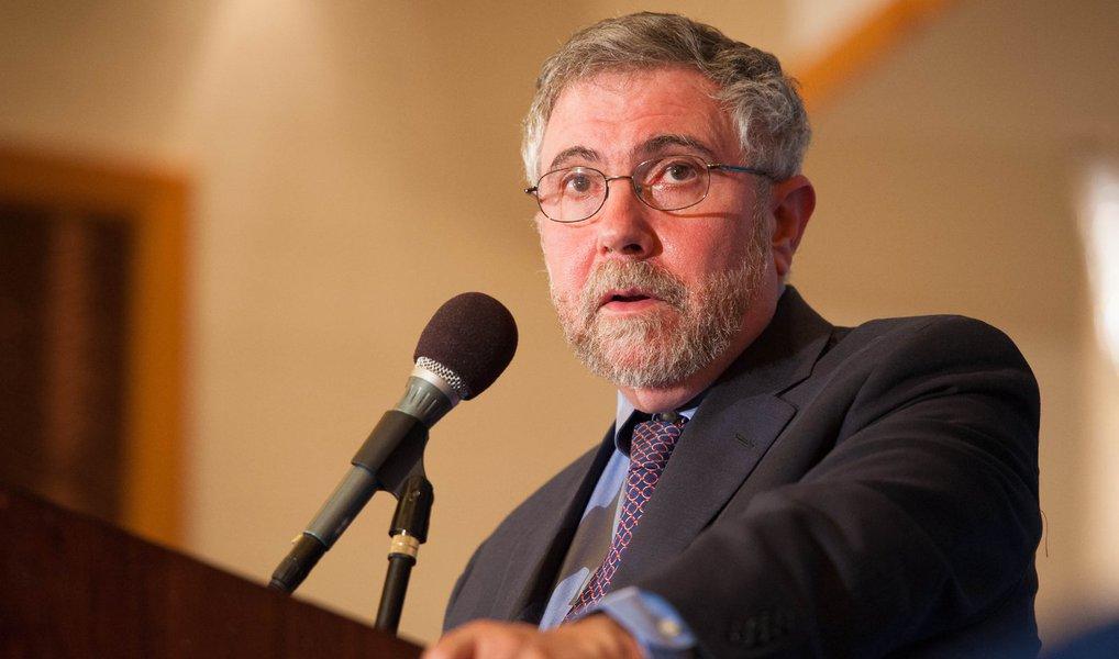 """Economista Paul Krugman, Prêmio Nobel de 2008, diz em entrevista que o Brasil, apesar da """"bagunça política"""", tem fundamentos econômicos que não estão """"nem perto"""" das condições em que estiveram em outras crises vividas pelo país;""""As pessoas estão exagerando"""", diz; """"A situação fiscal não é desesperadora e o país está longe de um momento em que precisaria imprimir dinheiro para pagar suas contas"""", avaliou Krugman"""