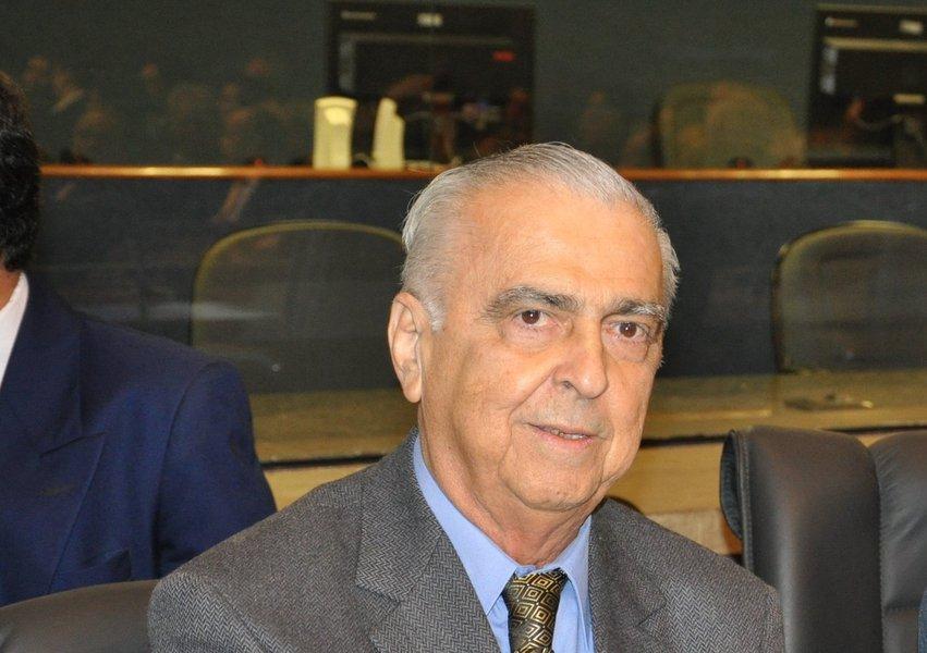 Vítima de enfarte, faleceu na manhã de hoje aos 80 anos, em Fortaleza, o jornalista Edilmar Norões, diretor de programação do Sistema Verdes Mares