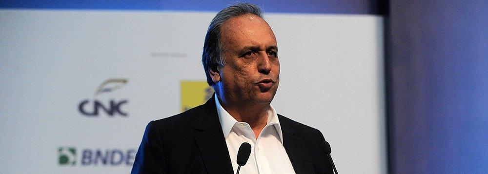 O governador do estado do Rio de Janeiro, Luiz Fernando Pezão participa do 25º Encontro Nacional de Comércio Exterior - ENAEX, no Rio de Janeiro (Tomaz Silva/Agência Brasil)