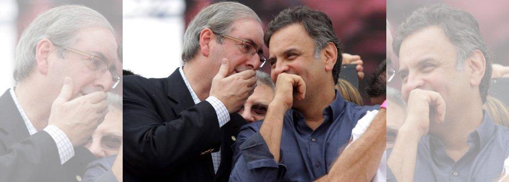 """""""Passada a batalha do TCU, e antevendo que as contas de Dilma não terão o julgamento final e definitivo pelo Congresso ainda este ano, a oposição resolveu acelerar a marcha do impeachment com base apenas no parecer do tribunal de contas. Se o impeachment não sair este ano, dificilmente sairá em 2017. Nem o país aguentaria"""", diz a colunista Tereza Cruvinel; """"Mais tarde pode ser tarde. Mais tarde Eduardo Cunha pode não estar no cargo para ajudar. O dilema da oposição é que, queimando etapa, fortalece a percepção do afastamento como golpe, como virada do jogo eleitoral perdido no tapetão de um impeachment cavado como pênalti por certos times""""; nesse cenário, Aécio entraria para a História como articulador de um golpe"""