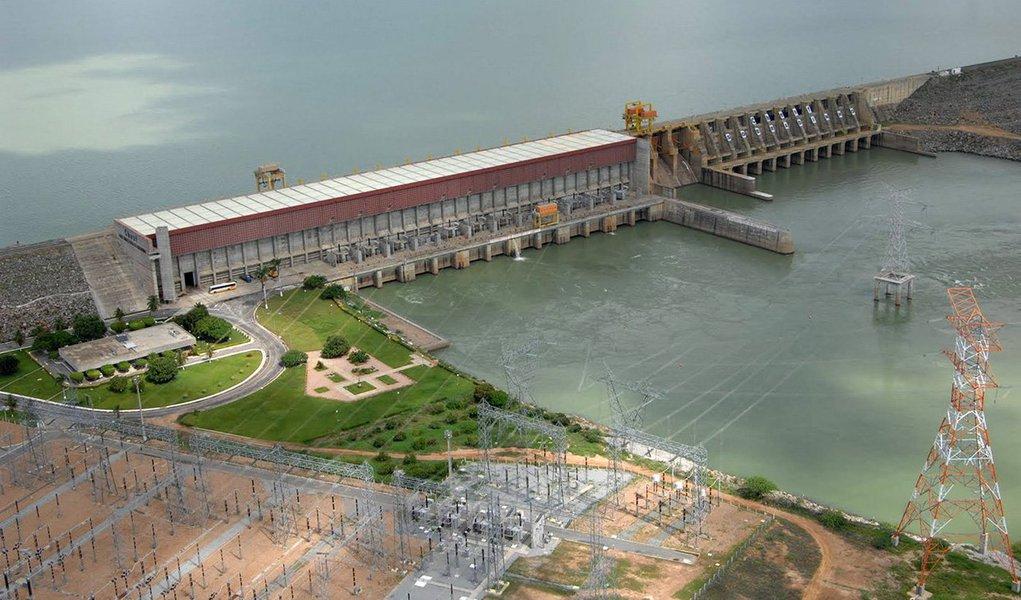 As hidrelétricas do Nordeste do Brasil devem receber em outubro apenas 33 por cento da média histórica de chuvas para esta época do ano, o que pode levá-las a encerrar o mês com reserva de água no mesmo nível de 2001, ano em que o país passou por racionamento de eletricidade, segundo relatório do Operador Nacional do Sistema Elétrico (ONS) divulgado nesta sexta-feira