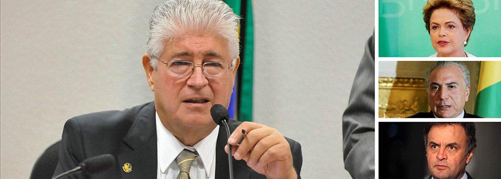 """Em entrevista ao 247, o senador Roberto Requião (PMDB-PR) apontou os três motivos que impedem um golpe no Brasil; o primeiro: """"os bancos mandam no País e não querem tirar a Dilma, nem o Levy, nem o Tombini""""; o segundo: """"a decisão do TCU matou o Temer, porque ele também assinou vários decretos do que chamam de pedaladas fiscais""""; o terceiro: """"o Aécio é até um sujeito simpático, mas ninguém o leva a sério, é totalmente inconsistente""""; ou seja: o golpe não interessa ao capital, não atende aos anseios do PMDB e só se encaixa nas pretensões de Aécio, que, segundo o senador, tem fôlego curto e """"não passa de uma figura menor no Senado"""""""